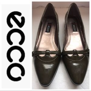 ECCO Patent Leather Flat Size 9/39